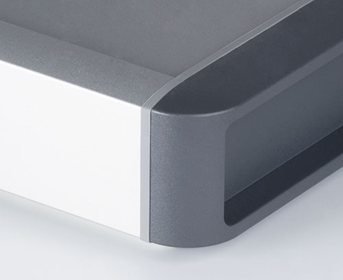 High-quality surfaces with anodized case body, designer seals and plastic side covers
